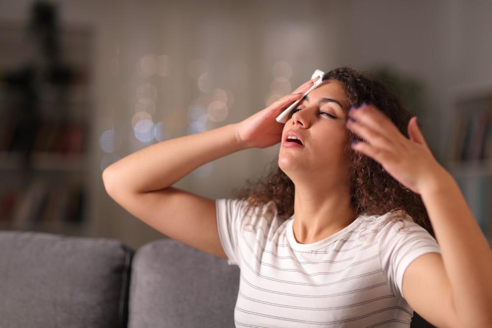 5 Tips for Managing Perimenopause Symptoms
